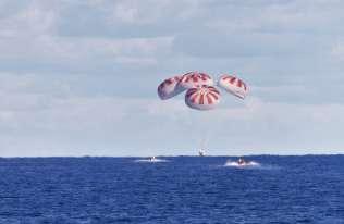 Historyczna misja kapsuły Dragon zakończona. Astronauci wrócili na Ziemię