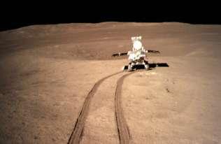 Łazik Yutu 2 na niewidocznej z Ziemi stronie Księżyca