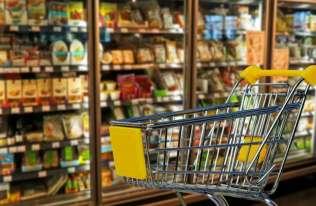 Jak przesądy wpływają na nasze decyzje zakupowe i jak wykorzystują to sprzedawcy?