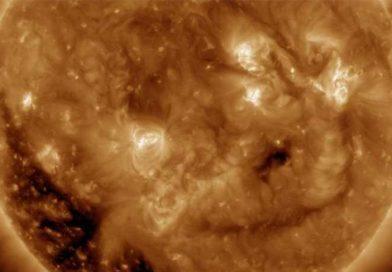 NASA uchwyciła uśmiech Słońca