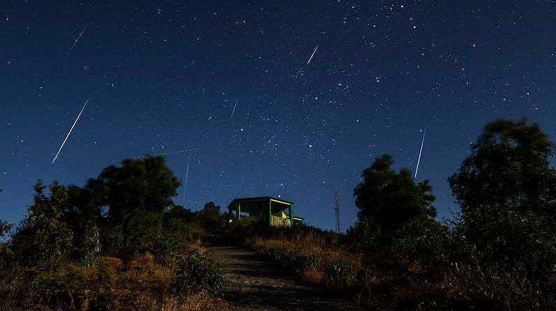 Geminidy i superksiężyc już dziś na niebie