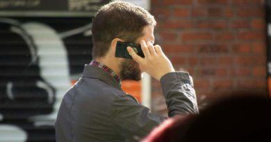 Telefon komórkowy zwiększa ryzyko wystąpienia nowotworów mózgu